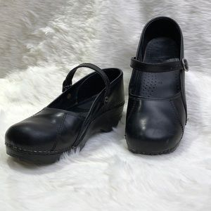 DANSKO Marcelle Mary Jane in Black Leather, Sz 40